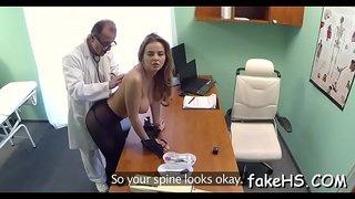 طبيب ينيك مريضة أمام زوجها مدة ساعة xxx عرب أشرطة الفيديو الإباحية ...